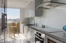 Мебель на прямоугольной кухне