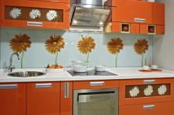 Цветы на керамической плитке