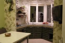 Пример кухни с рабочей зоной на балконе