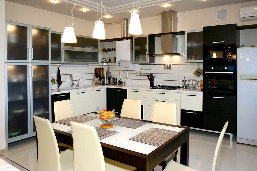 Пример освещения на кухне