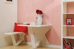 Стол в маленькой кухне
