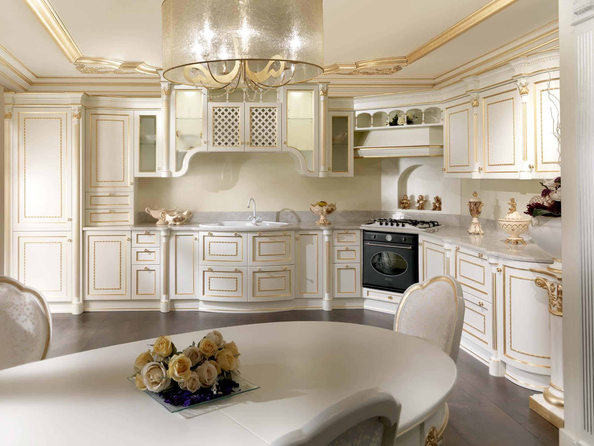 Интерьер золотой кухни