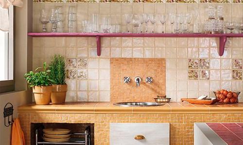 Как класть плитку на фартук кухни