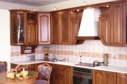 Пример дизайна кухни в классическом стиле