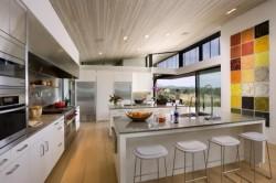 Дизайн кухни для частного дома