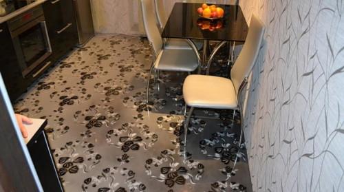 Ковролин на полу в кухне