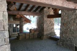 Старое строение из камня