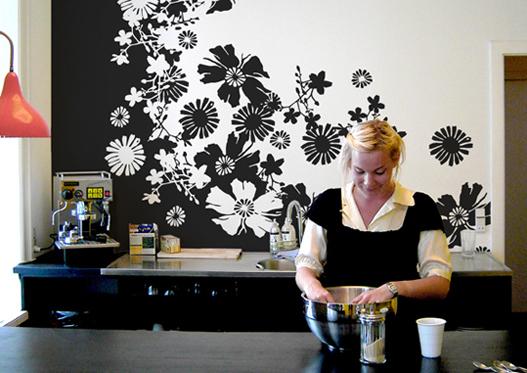 Трафаретная роспись на кухне