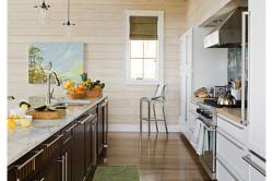 Использование вагонки на кухонных стенах