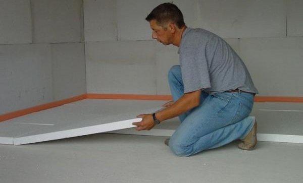 Утепление бетонного пола с помощью пенопласта