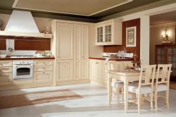 Классическая кухня в бежевых тонах